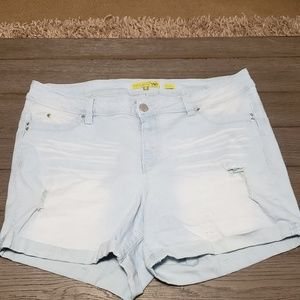 Y.M.I. Jean shorts Rue 21